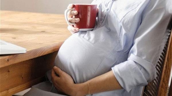 مخاطر شرب القهوة خلال الحمل