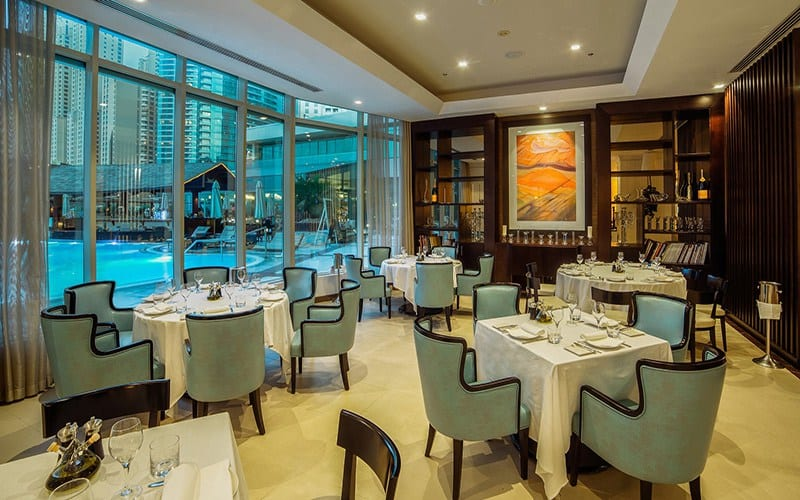 هيلتون دبي جميرا يُعد مطعم بيتشه الإيطالي للزوار خلال شهر رمضان
