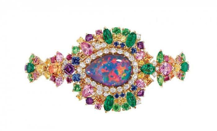 الجواهر الملونة