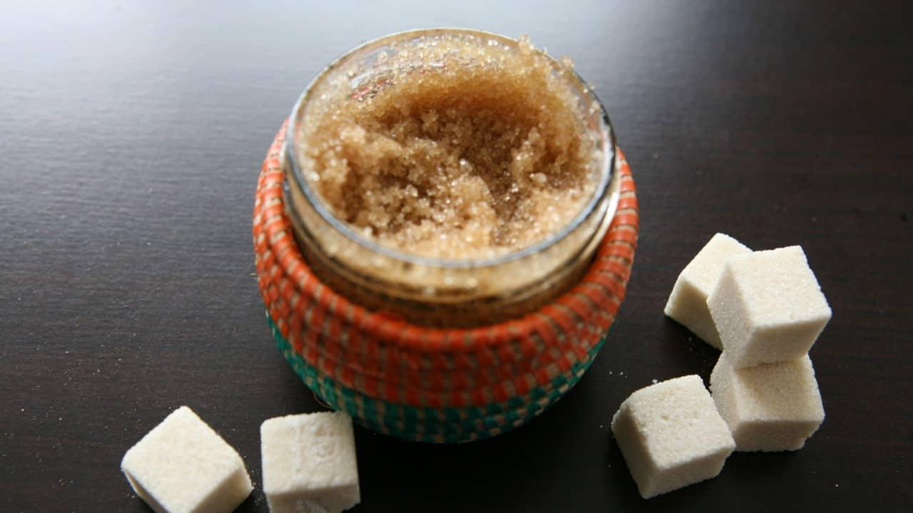 أقنعة السكر لعلاج مشاكل البشرة