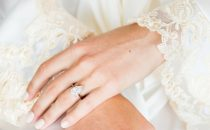 تشكيلة خواتم زفاف ألماس بشكل الكمثري
