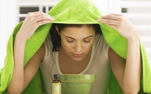 أفضل طريقة لتنظيف الوجه بالبخار