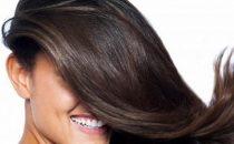 وصفات طبيعية لمكافحة قشرة الشعر