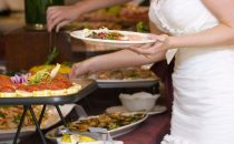 ماذا عليك أن تتناولي في يوم زفافك ؟