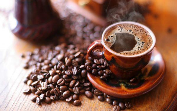 على الرجل التقليل من القهوة قبل الحمل