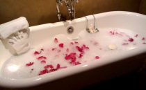 حمام العطور لرائحة زكية تدوم أكثر من 3 أيام