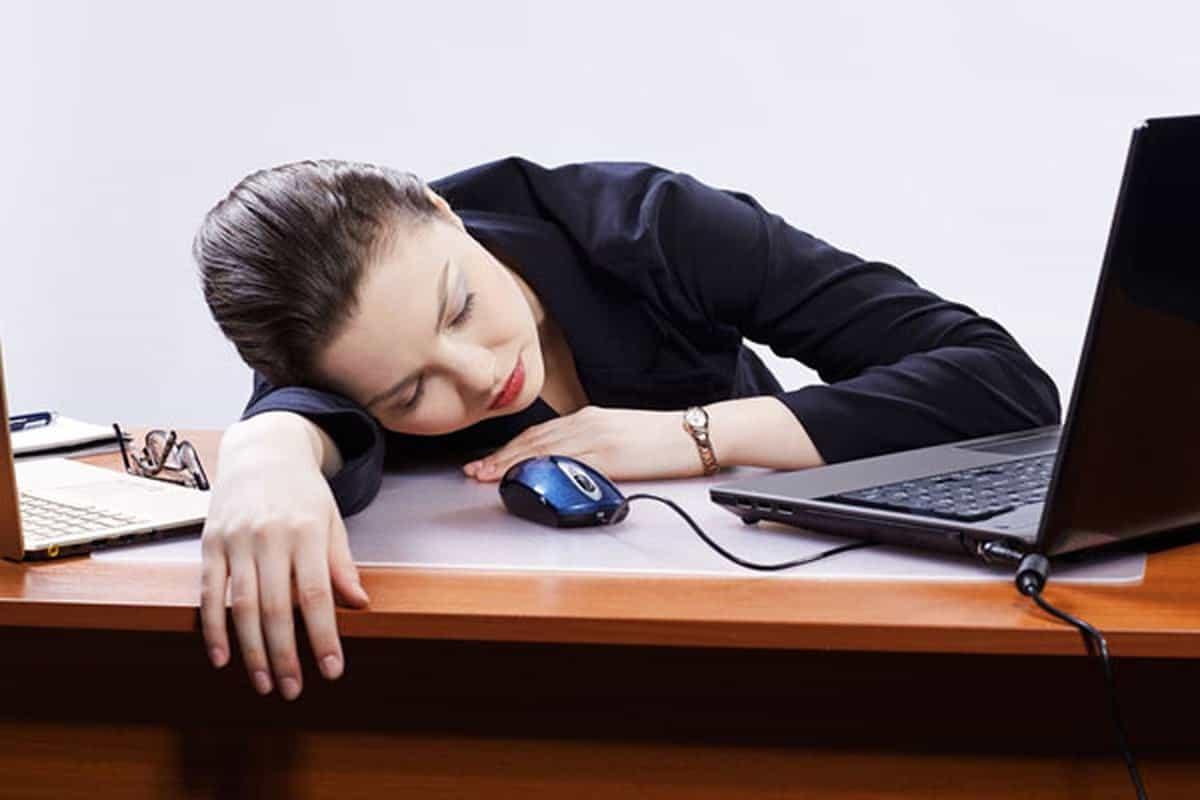 العمل غير المنتظم يسبب الشيخوخة المبكرة للإدراك