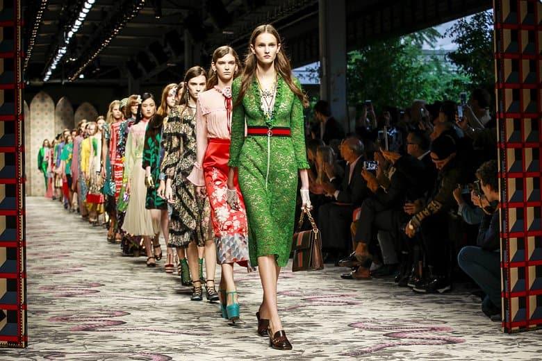 الفساتين المميزة لصيف 2017 من منصات العروض العالمية