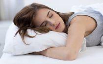 10 وسائل طبيعية تساعدك في الخلود إلى النوم بسرعة