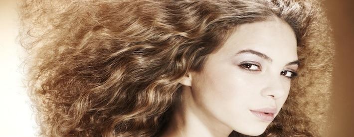 تجعيد الشعر في المنزل