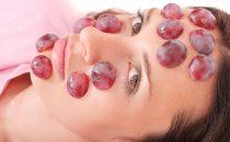 أقنعة العنب للعناية بالبشرة
