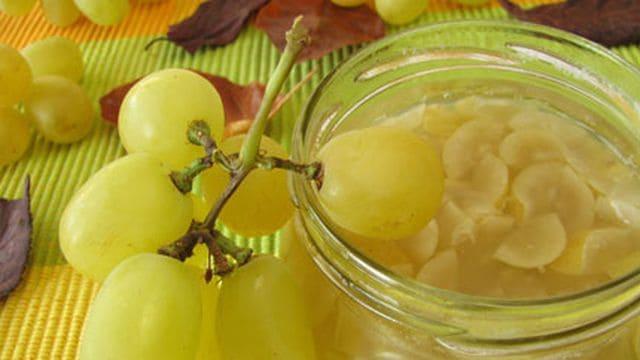 مربى العنب في فصل الصيف
