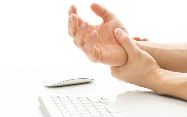 علاجات بسيطة لعلاج تنميل اليدين والقدمين