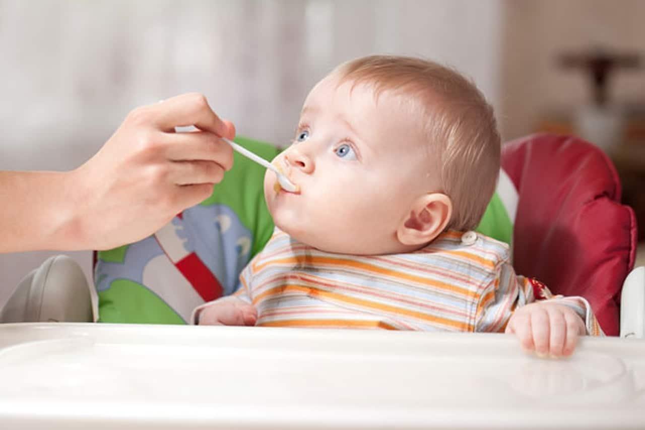 لماذا عليك فطام الطفل بعد سن العامين