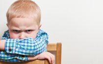 بعض التصرفات تسبب تكوين الكبت عند الأطفال