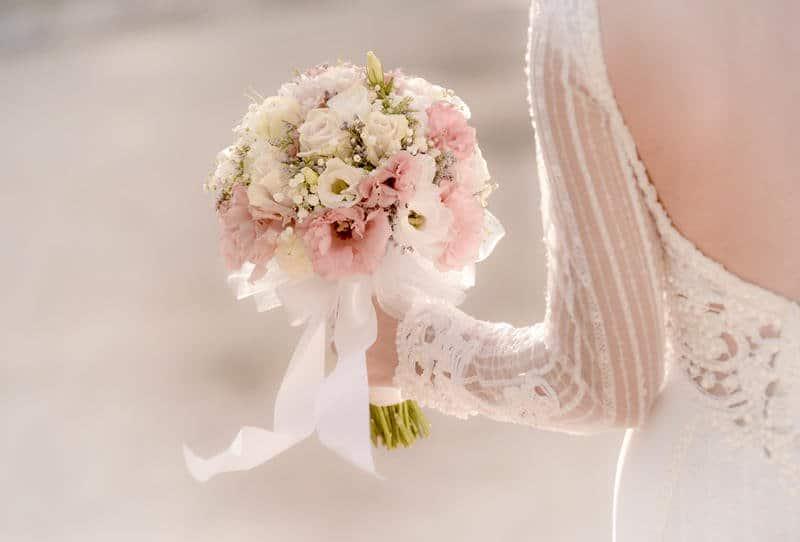 باقات الورد الطبيعي للعروس العصرية لموسم 2017