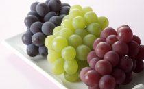 تعرفي على فوائد العنب الأخضر والعنب الأحمر للجسم