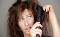 ابتعدي عن هذه الأخطاء عند استخدام مكواة الشعر