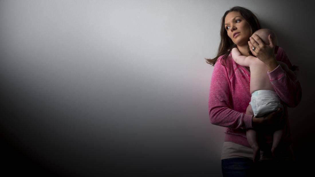 أعراض اكتئاب ما بعد الولادة وأسبابه وأهم النصائح لعلاجه