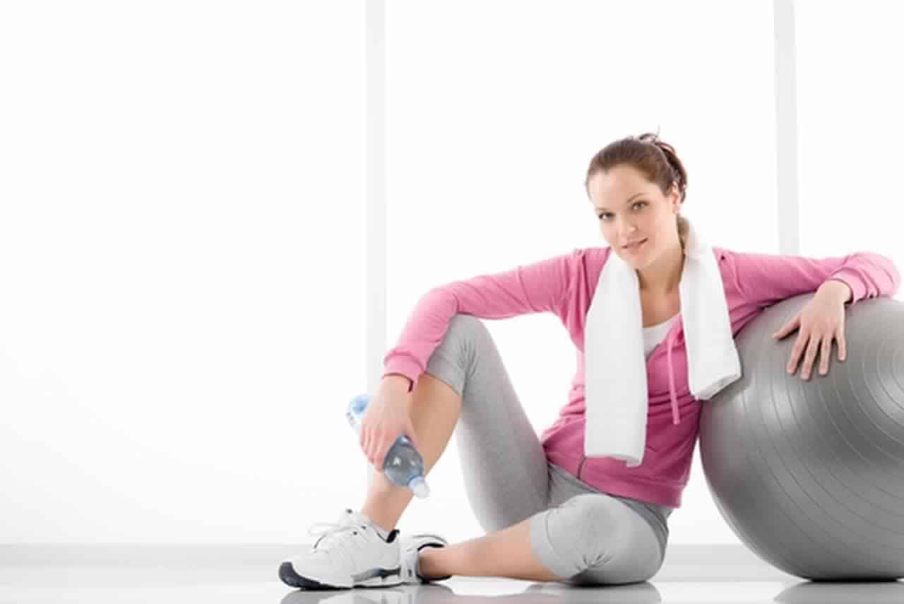 8 عادات بسيطة للحصول على بطن مسطحة
