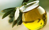 5 أقنعة طبيعية باستخدام زيت الزيتون لتعزيز صحة البشرة