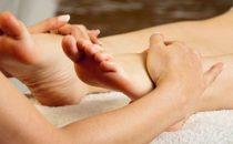 الفوائد الصحية لتدليك القدمين