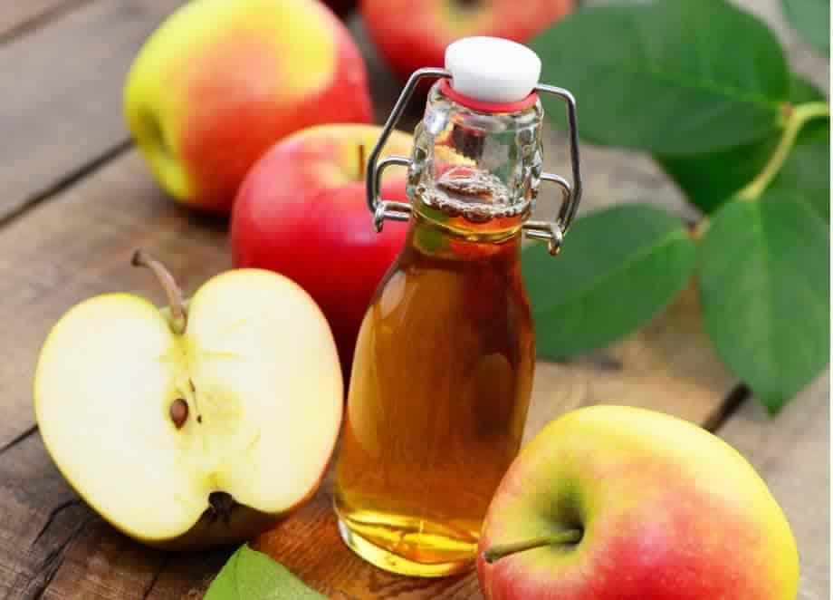 تناولي ملعقة من خل التفاح يوميًا وتمتعي بهذه المنافع