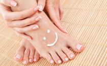 وصفات طبيعية للعناية بالأقدام