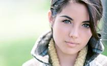 8 علامات تخبرك بمدى جمالك اكتشفيها