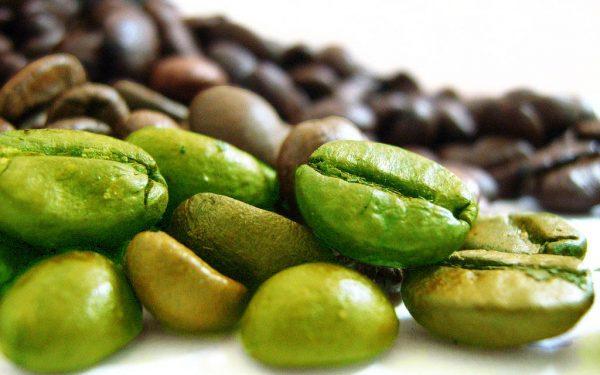 قناع حبوب القهوة الخضراء.. إكسير لجمال البشرة