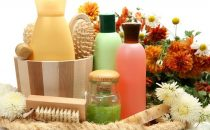 كيف تصنعين شامبو طبيعي في المنزل بحسب نوع شعرك؟