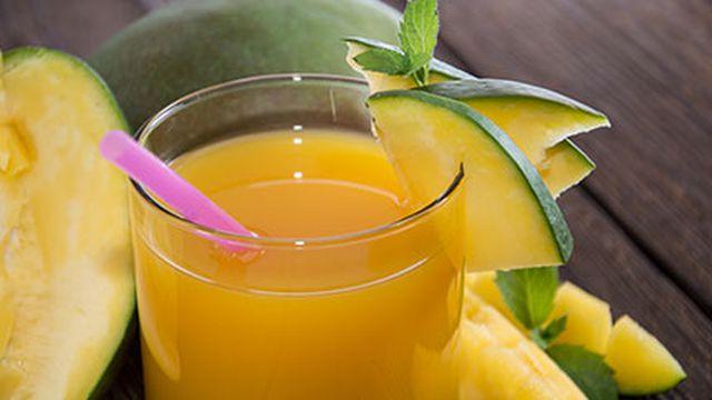 عصير المانجو اللذيذ والمنعش