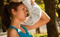 كيف تتغلبين على عرق فروة الرأس خلال فصل الصيف؟