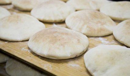 جهزي الخبز المنفوخ في المنزل