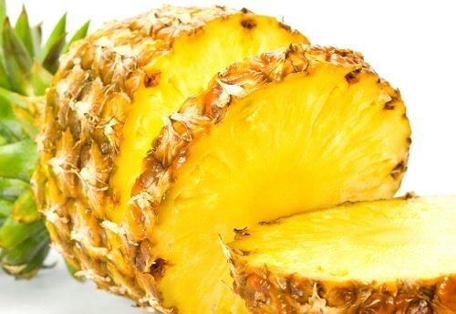blanchir-dents-ananas-500x344