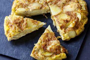 كيف تجهزين عجة البيض والبطاطس؟