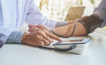 أطعمة تُساعد على السيطرة على انخفاض ضغط الدم