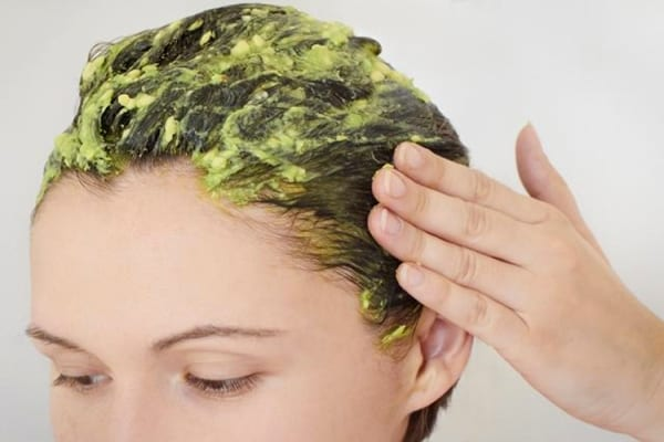 5 أقنعة غنية بالبروتيين لترطيب الشعر