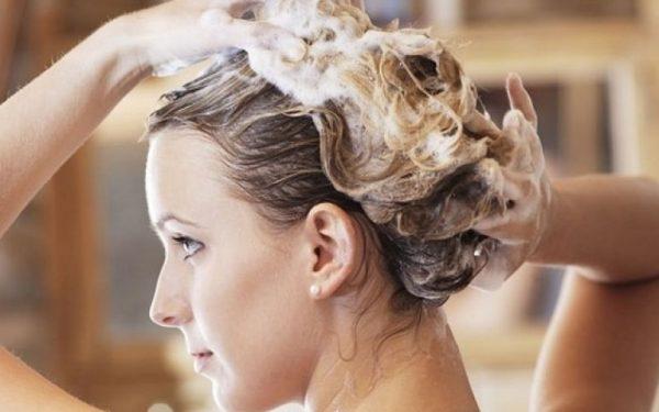 3 بدائل طبيعية للشامبو تمنحك شعرا صحيا وقويا.. اكتشفيها معنا