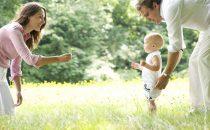 كيف تساعدين طفلك على المشي باكرا وبكل يسر؟
