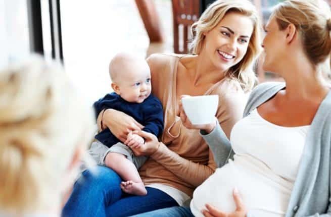 تناولي هذه المشروبات الطبيعية خلال فترة الرضاعة