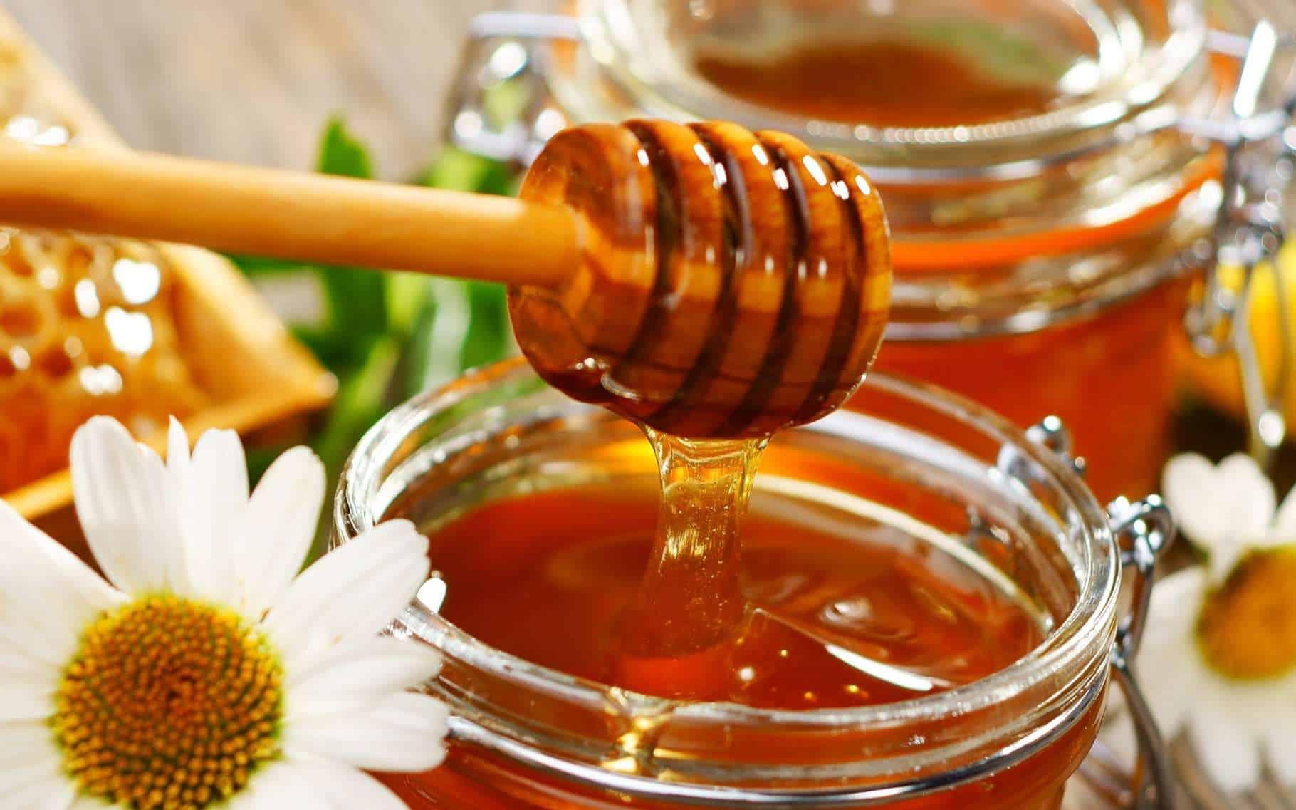 استخدامات غير معروفة للعسل تعرفي عليها