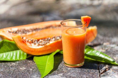 Smoothie-papaye-et-avoine-500x331