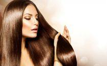 كيف تمنحين شعرك النعومة اللازمة من دون وصفات طبيعية؟