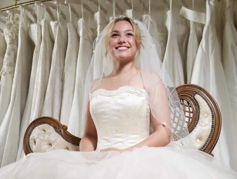 6 أخطاء عليك تفاديها عند اختيار فستان الزواج