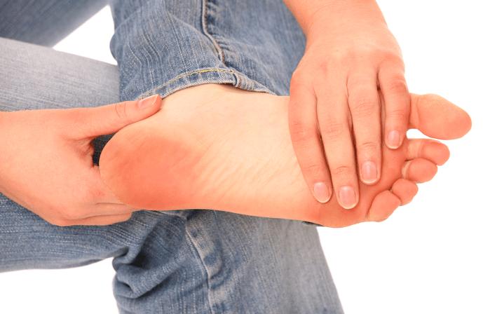 كريم سهل التحضير للتخلص من تشقق القدمين