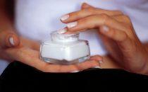 وصفات طبيعية منزلية لعلاج تشققات الحمل