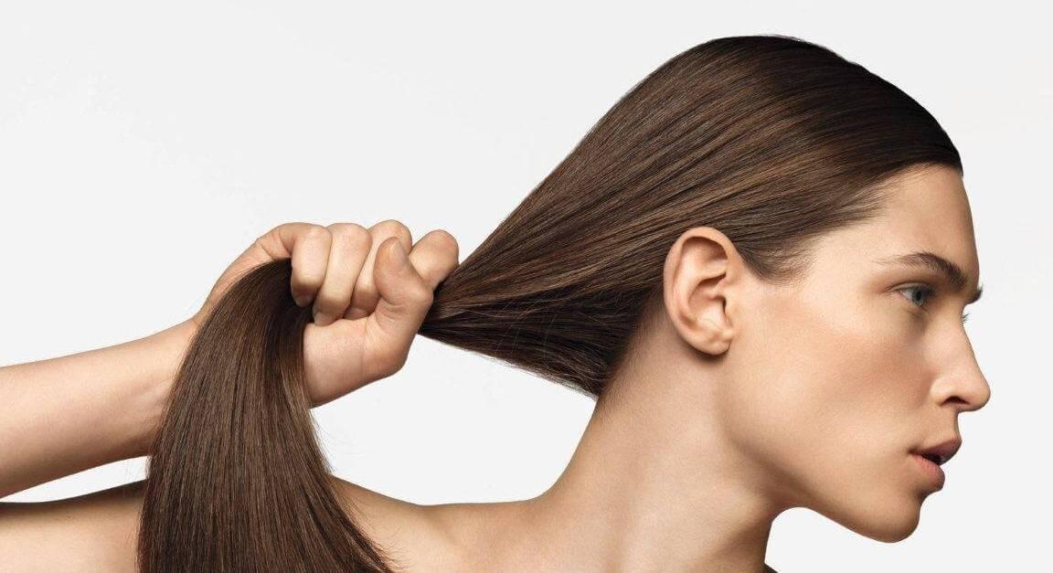 كيف تحمين شعرك من مشاكل التساقط؟