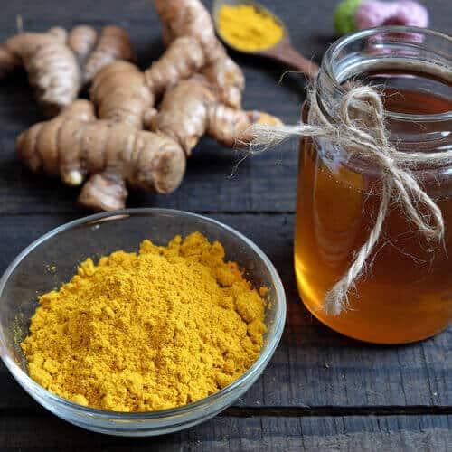 remède-au-curcuma-et-au-miel