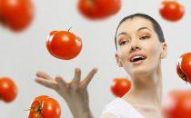 تعرفي على فوائد الطماطم للعناية بجمال البشرة